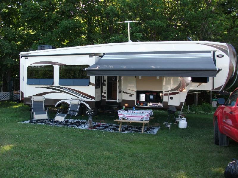 caravane selette colombus 2013 haut de gamme vendre repentigny v hicule r cr atif. Black Bedroom Furniture Sets. Home Design Ideas
