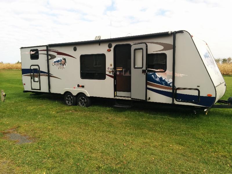 Caravane à sellette Cobalt Trail  2012 à vendre