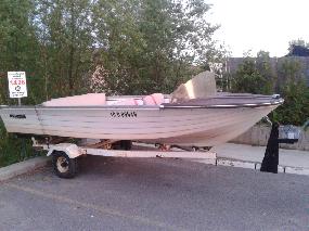 Bateau 14'' avec trailer double essieu+ moteur johnson 20hp
