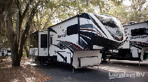 Luxueuse Caravane à Sellette Cargo 4 saisons de 44pi, Momentum 380TH Équipée Haut Gamme de GRAND DESIGN