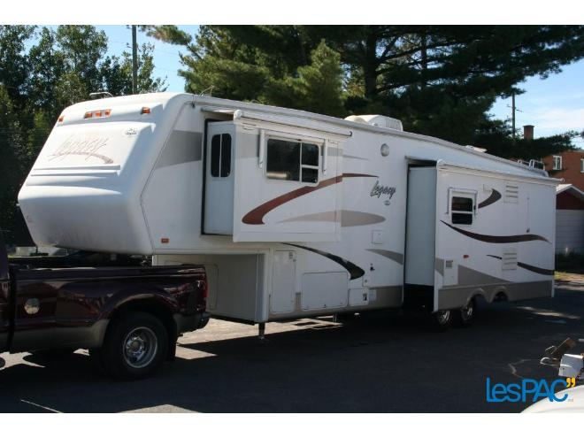 Caravane à sellette Legacy 3610RLTS 2004 à vendre