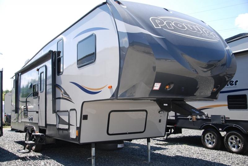 Caravane à sellette Prowler P295 2014 à vendre