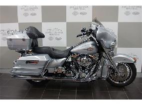 Harley-Davidson FLHTC Electra Glide Classic 2010