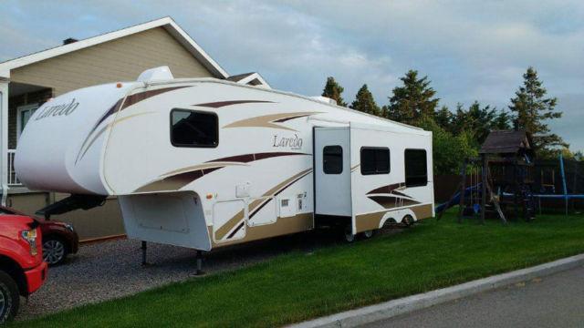 Caravane à sellette Laredo  2007 à vendre