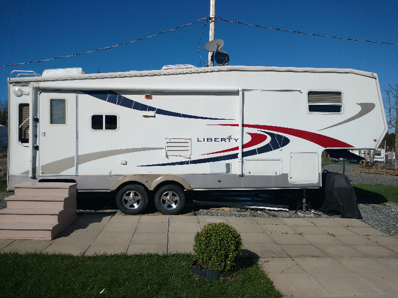 Caravane à sellette Potomac RV Liberty 2006 à vendre