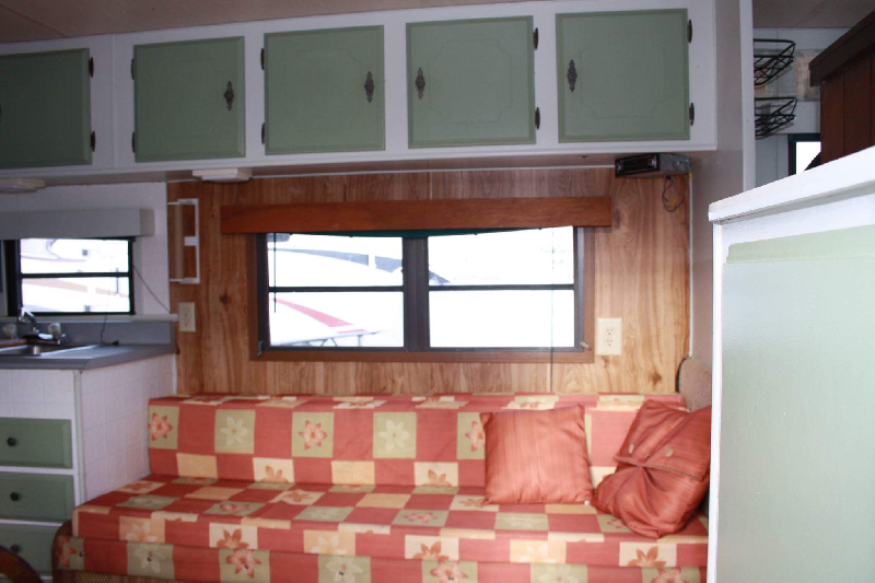 Caravane à sellette Nomad Weekender 1987 à vendre