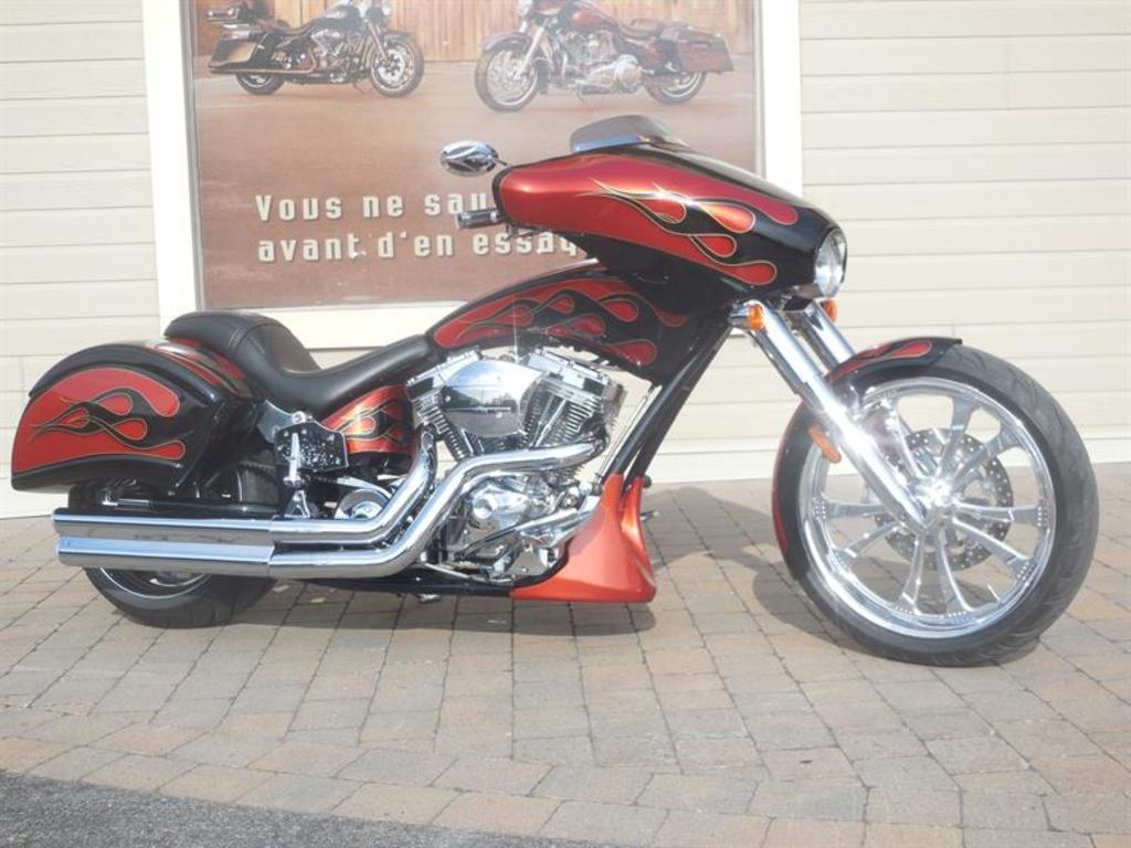 Moto routière/cruiser Big Dog BULL DOG 2010 à vendre