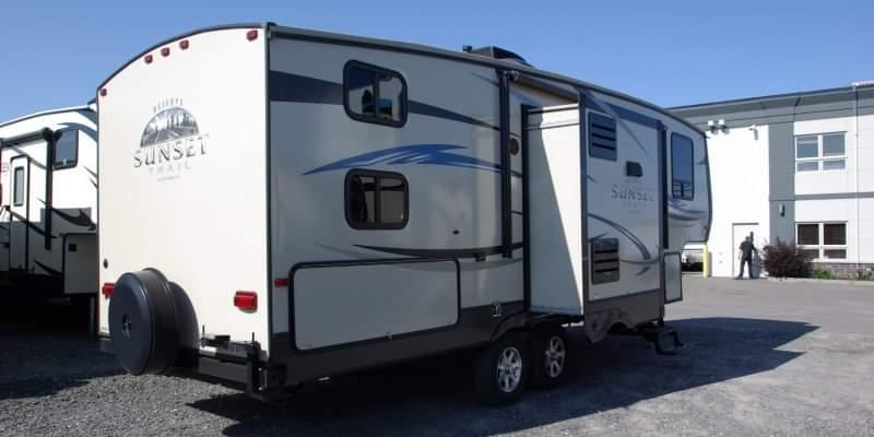 Caravane à sellette Crossroads RV Sunset Trail RESERVE 2013 à vendre