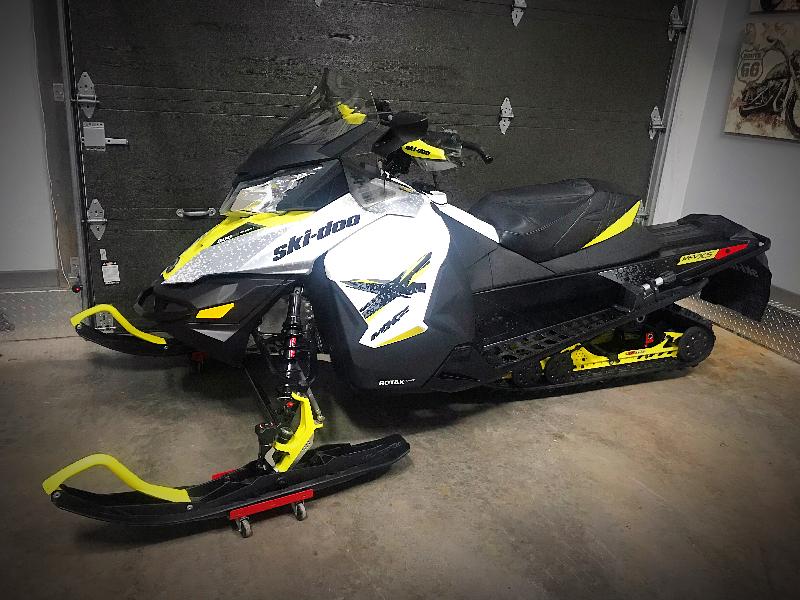 Motoneige Ski-Doo MX-Z X 600 H.O E-TEC 2016 à vendre
