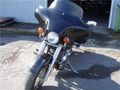 Moto routière/cruiser Yamaha V-Star 2000 à vendre