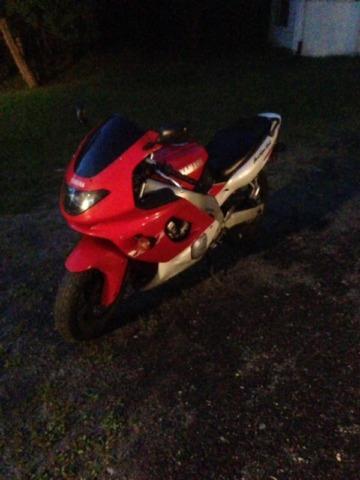 Moto sport Yamaha  1996 à vendre