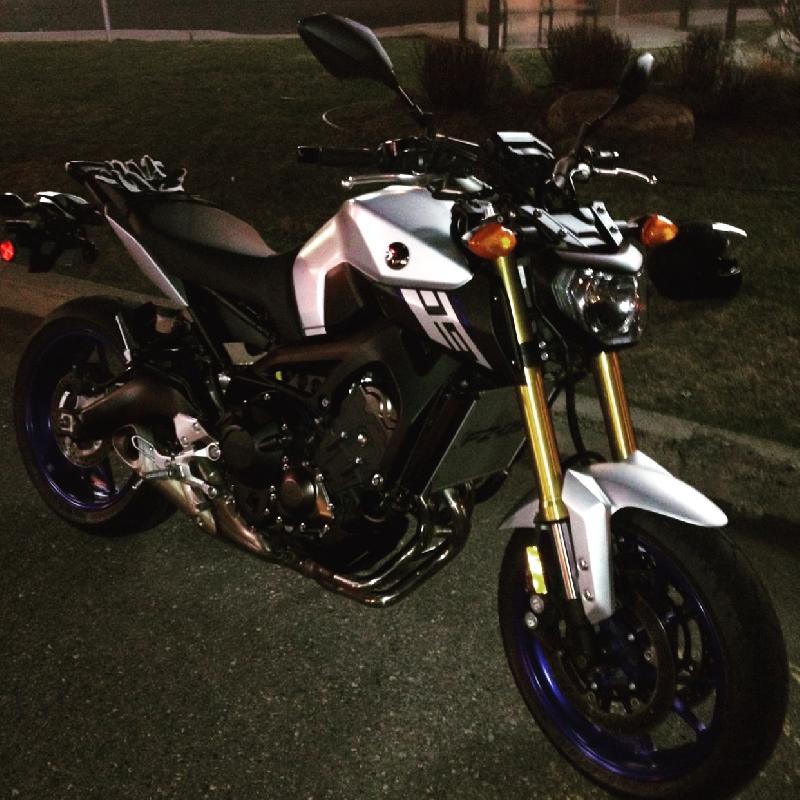 Moto sport Yamaha FZ-09 2015 à vendre