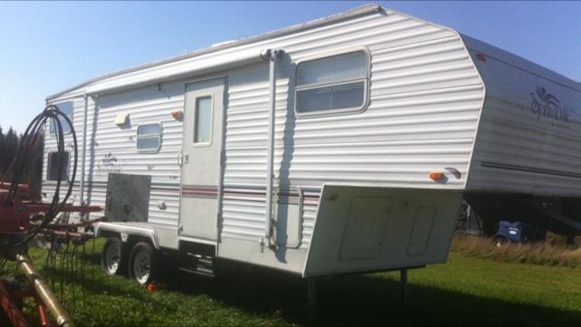 Caravane à sellette Keystone RV Keystone Springdale 2000 à vendre